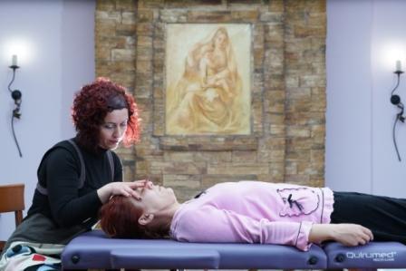 H Θεραπεύτρια Kατερίνα Κατσιάνα κάνει ΚρανιοΙερή Θεραπεία